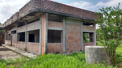 Casa Campo De 5 Ambientes Area T : 2,240 M2 En Aguaytia
