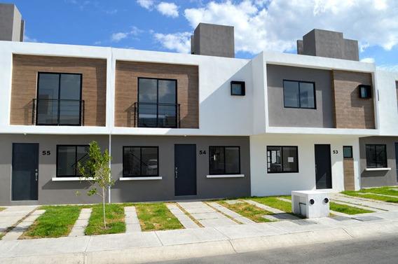 Estrena Casa Entre El Refugio Y Zibatá, 3 Recámaras, Alberca, 1.5 Baños, Privada