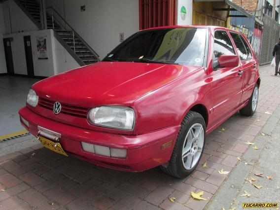 Volkswagen Golf Sedan
