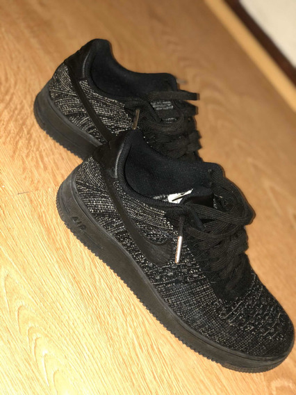 Air Force 1 Flyknit Low (negras)