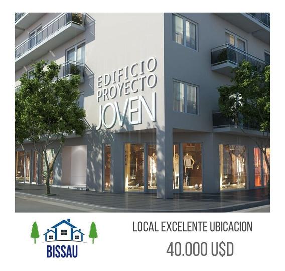 Local Comercial A La Venta Rivadavia Al 1400. Proyecto Joven . Villa Constitución
