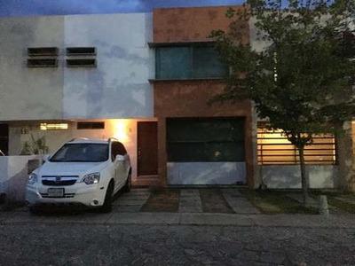 Se Renta Casa En Col. San Isidro Residencial, Zapopan