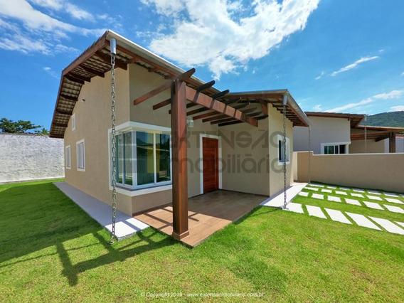 Casa Com 03 Dormitórios E 90m² - 73
