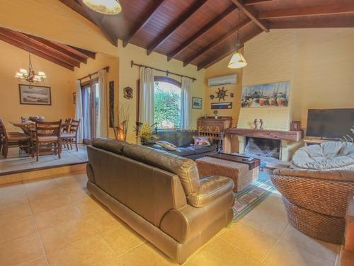 Casa En Venta En Jardines De Cordoba- Ref: 4713
