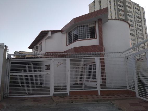 Espectacular Casa En Alquiler En Barquisimeto #21-2857