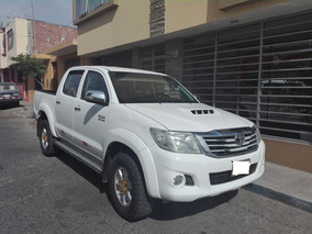Toyota Pick Up 4x4 Hilux Srv - 2012