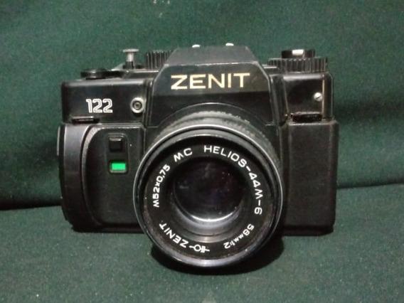 Antiga Máquina Fotográfica Zenit 122