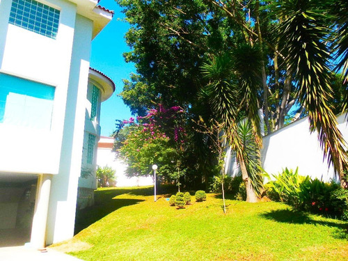 Imagem 1 de 23 de Casa Com Muita Área Verde Na Chacara Monte Alegre - Reo6036