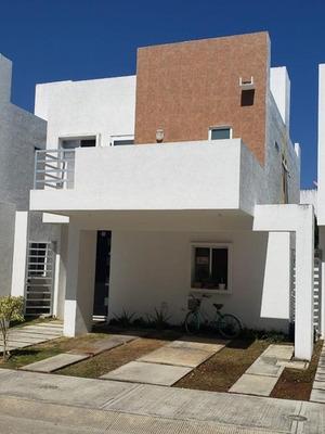 Casa En Venta En Playa Del Carmen (677)