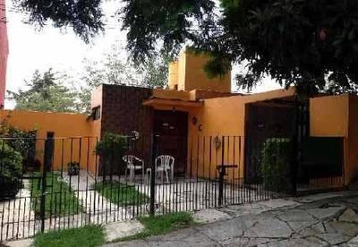 Casa En Venta. Oportunidad. Col. Vista Del Valle Cod. R126
