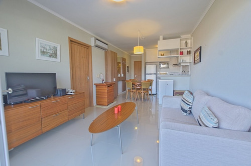 Apartamento 1 Dormitorio Alquiler Anual Playa Mansa- Ref: 1699