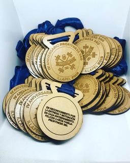 Medallas Personalizadas En Madera