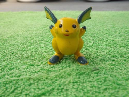 Antiga Miniatura Pokémon Raichu Pikachu