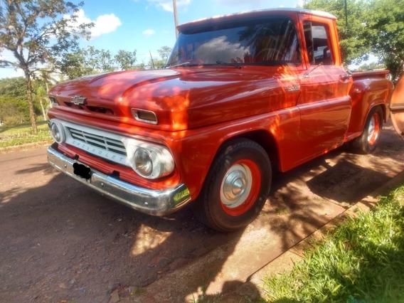 Vendo Chevrolet Apache Linda.