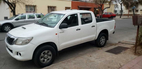 Toyota Hilux 2.5 Cover Cs Dx Pack 4x4 Cerrada 2015