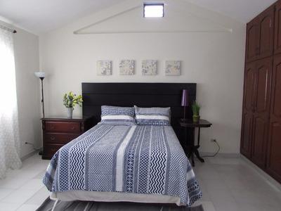 Alquilo Coqueto Apartamento De 2 Hab. Y 2 Baños
