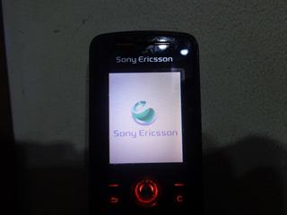 Celular Sony Ericsson W200i - Op Claro - Com Carregador