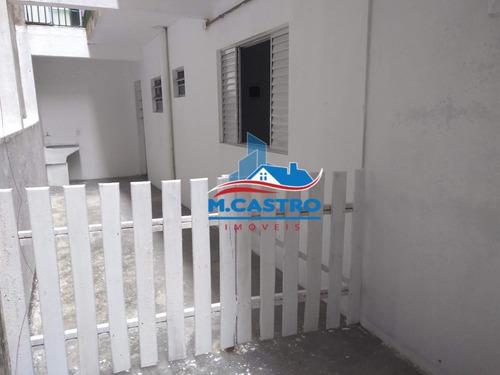 Imagem 1 de 13 de Casa 01 Dormitório, Cozinha E Banheiro - Campo Limpo - 7198