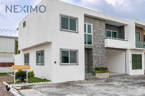 Venta De Hermosa Casa En Fraccionamiento Tinajitas, Medellín De Bravo, Veracruz
