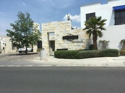 Se Renta Casa Amplios Espacios Torre Piedra El Refugio Privada Seguridad Alberca