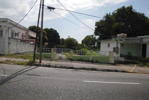Casa Con Potencial Comercial Flex: 19- 2770 Mz