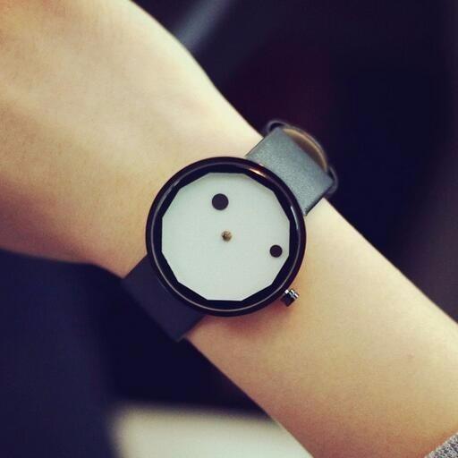 Relógio Feminino Preto Com Display Branco