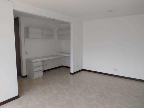 Imagen 1 de 10 de Arriendo Apartamento En  Alto De Las Flores, Envigado