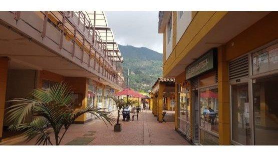 Vendo Local En Centro Comercial De Cota