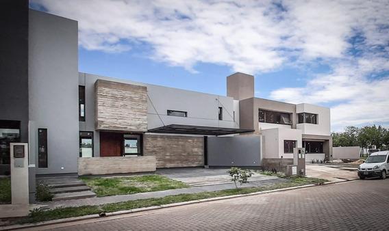 Venta Casa A Estrenar - 3 Dormitorios 3 Baños - La Calandria