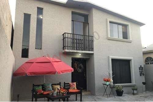 Se Vende Casa Jardines Del Lago; $ 1,750,000.00 Pesos Zona Tranquila Y Familiar
