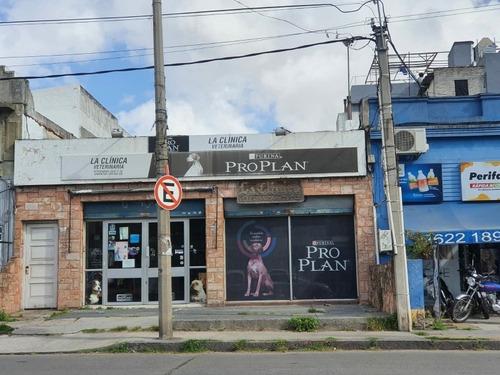 Local Comercial Sobre Av.ramon Anador Esquina Pereira De