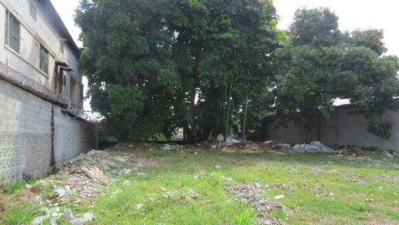 Terreno En Venta En Parque Lefevre 19-11233 Hel**