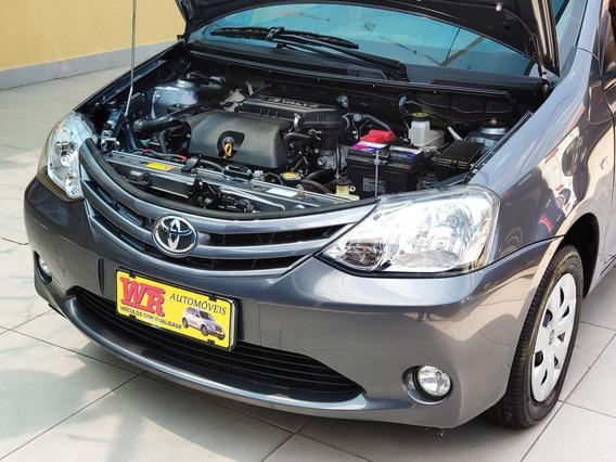Toyota Etios Hatch 2015 Xs 1.5 Flex