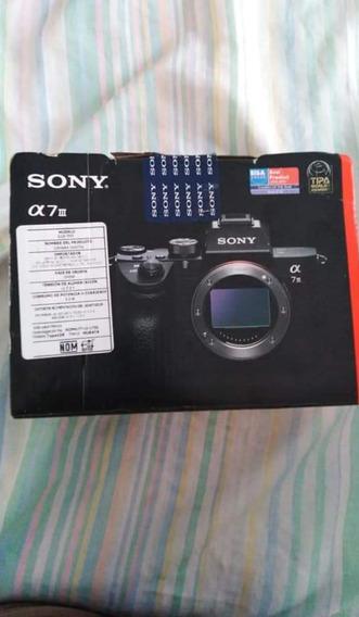 Câmera Sony A 7iii Com Lente 35mm 4.1 Af Auto Focus