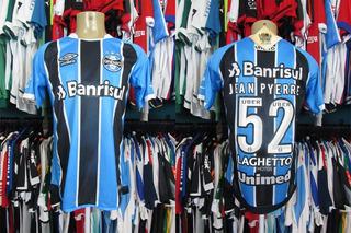 Grêmio 2017 Camisa Titular Tamanho M # 52 Jean Pyerre.