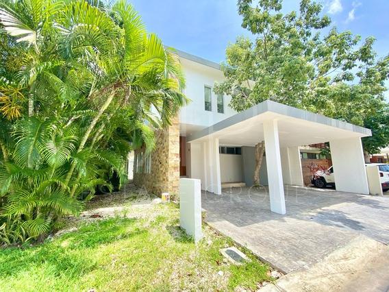 Casa En Renta En Cancún, Residencial Palmaris.