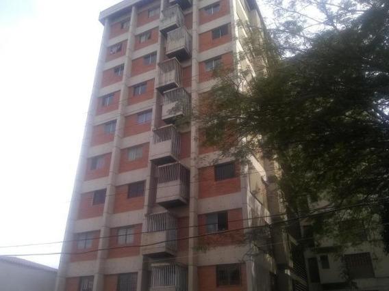 Apartamento En Venta Centro Barqto 20-1904jg