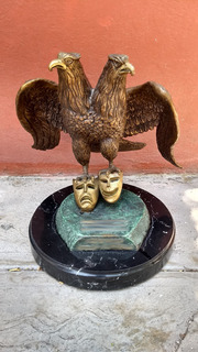 Escultura Águila Bicéfala