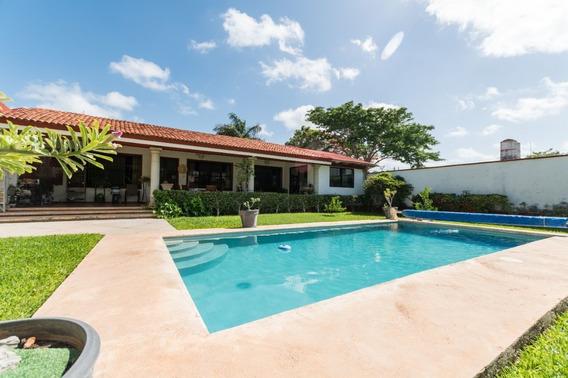 Hermosa Casa Estilo Colonial Y De Una Planta En Montes De Amé