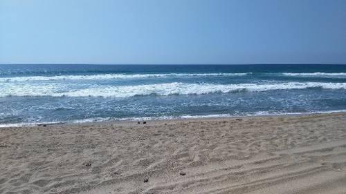 Se Vende Terreno Sobre La Playa En Petatlán