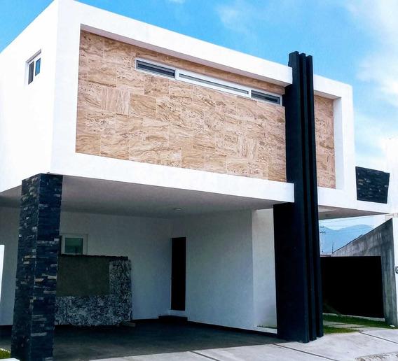 Casa En Venta En Fracc. Misiones