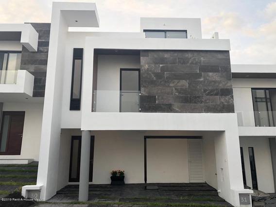 Casa En Venta En Zibata, El Marques, Rah-mx-21-1035
