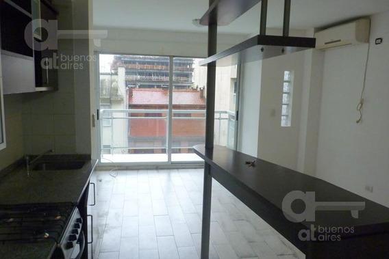 Palermo Soho. Moderno Ambiente Con Balcón Y Amenities. Alquiler Temporario Sin Garantías.