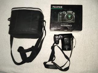 Camara Fujifilms Finepix S4850