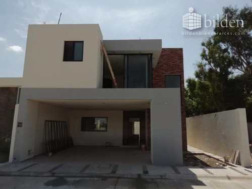 Casa En Venta En Fracc Veranda Residencial