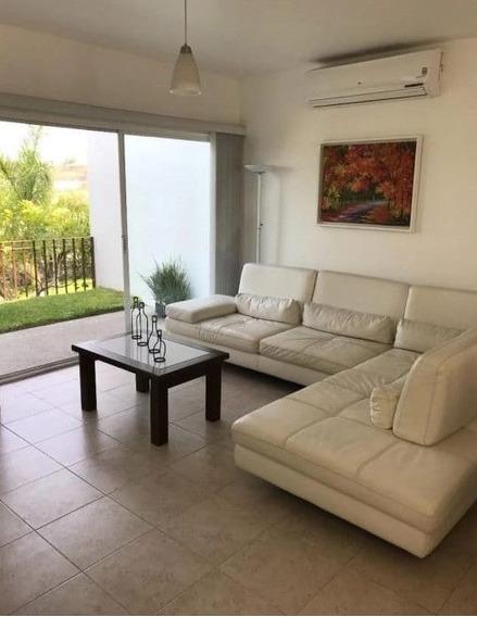 Zv1302.3-fina Residencia En Enclave Condominal, Club De Golf Vista Santa Fe.