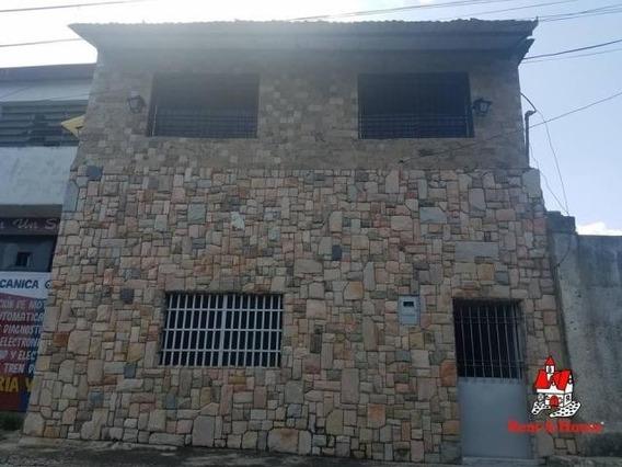 Casa En Venta En Urb 23 De Enero Maracay/ 19-15803 Wjo
