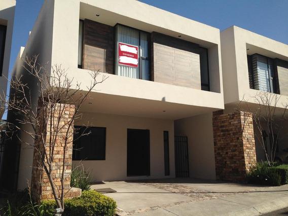 Excelente Casa En Renta En Condominio En Cumbres Del Lago, Juriquilla