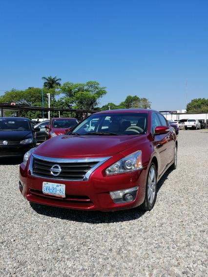 Nissan Altima Exclusive 2014
