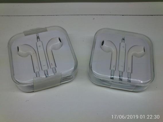 4 Fones De Ouvido Brancos: 2 Genéricos P/ Celular (c/ Microfone) Modelo Apple & 2 Genéricos P2 (s/ Microfone)